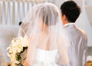 なぜ日本人は結婚すると夫の姓を名乗るか