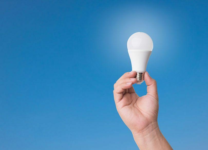 「蛍光灯からLED」でいくら節約できるか 月1500円を月250円に圧縮可能