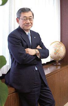 <strong>東京電力 清水正孝社長</strong>●1968年、東京電力入社。資材部長、常務、副社長を経て、2008年6月より社長。「組織が大きくなると、縦割りの弊害が出てくる。その際、組織を横断する『串刺し』の考え方が大事になります。人の交流や組織の運営で『串刺し』を徹底的に行えば、全体最適が生まれるのです」