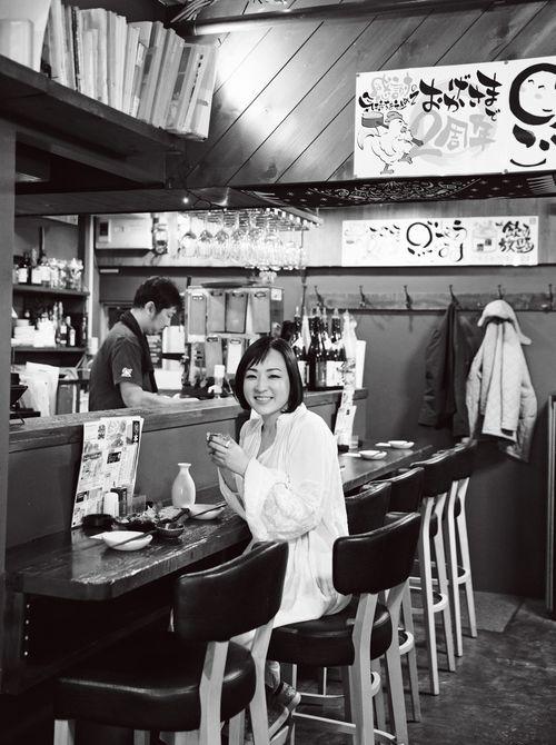 帰国中の楽しみは居酒屋! おいしい日本酒を楽しみつつ、とことんリラックスします