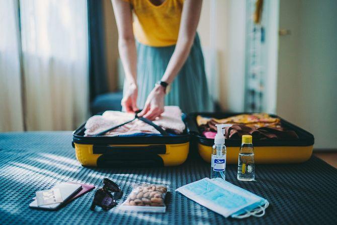 旅行のためのスーツケースのパッキング