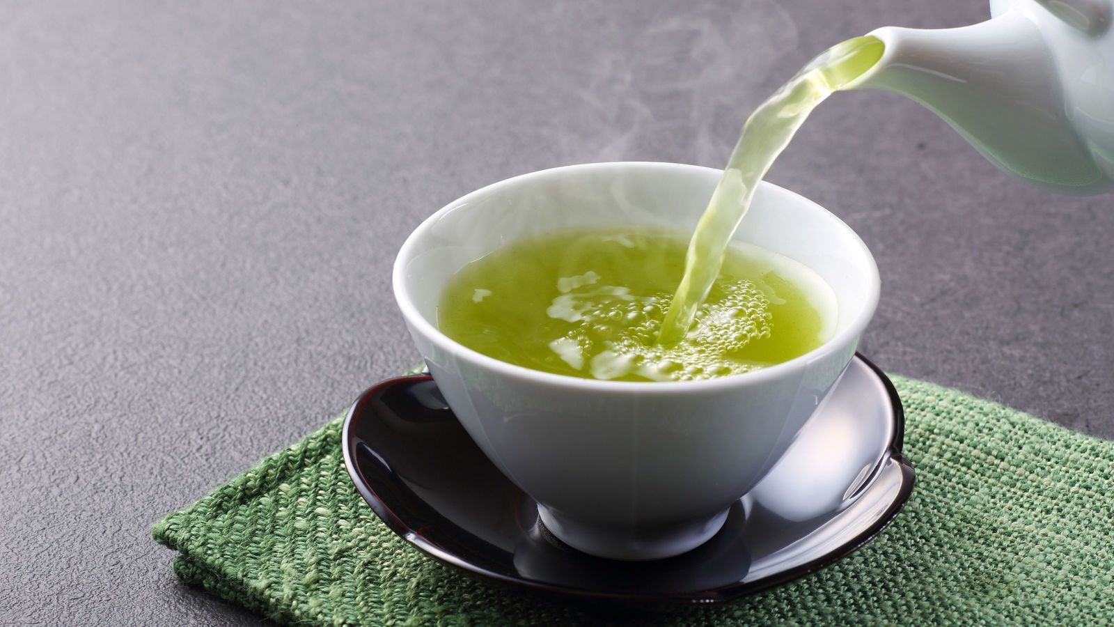 あなたVS緑茶「栄養素の宝庫」緑茶を飲むと死亡リスクが下がる カテキンに感染症予防の力あり