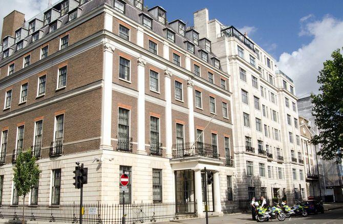 ロンドンの中国大使館。ここから多くの中国支持ツイートが行われていた ※写真はイメージです