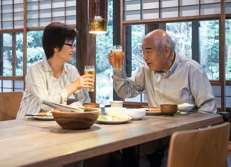 65歳以上はお酒から「卒業」するべきか 依存症の高齢者が増えている