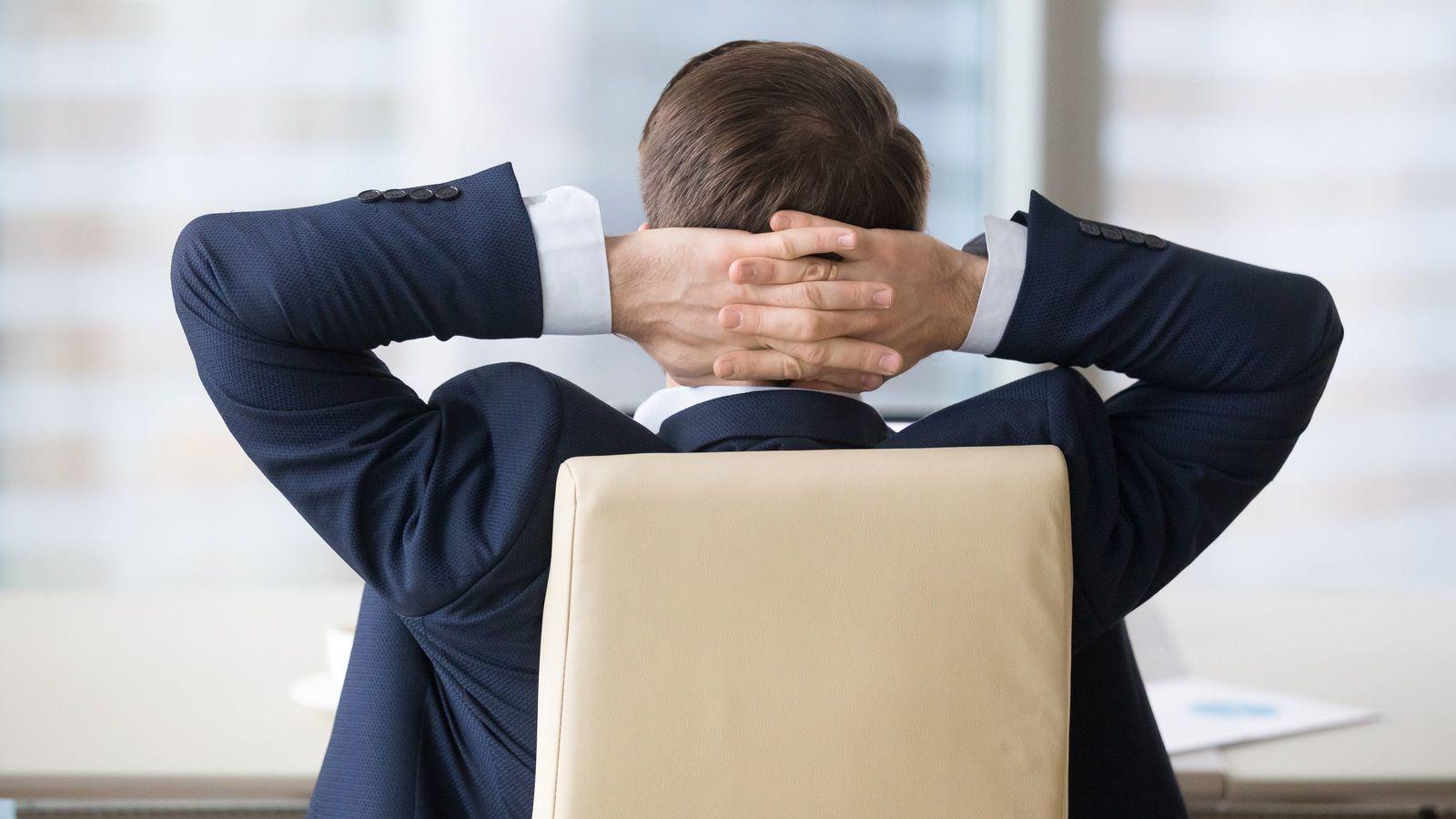 「こっそり上司の席に座る」といい部下になれる 「ウマが合わない」と悩むなら…