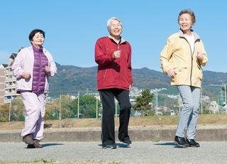 「歩く速度」で認知症を早期発見する方法