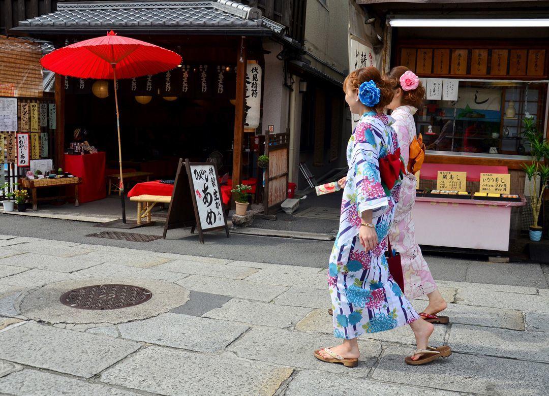 """""""冬でも浴衣""""の観光客を歓迎する京都の罪 歯止めがきかない「文化の稚拙化」"""