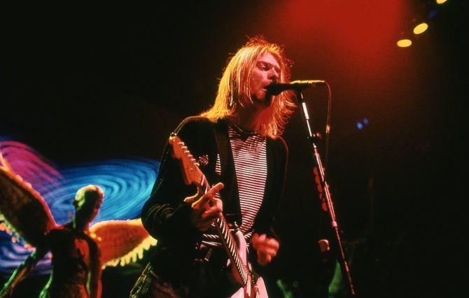 1993年11月14日にNew York Coliseumで行われたライブに出演したNIRVANAのカート・コバーン