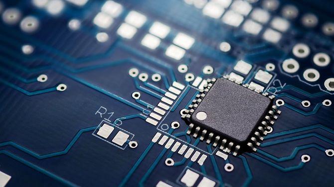 プリント回路基板とチップ