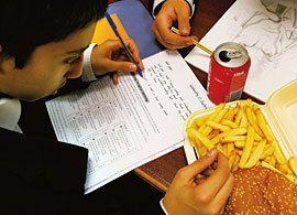 イギリスの公立小中学校で「弁当禁止令」が勧告された理由