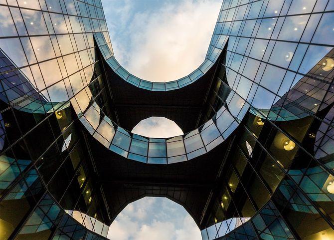 ロンドンにあるPwC英国本部ビル。その形から「バットマンビル」と呼ばれている。