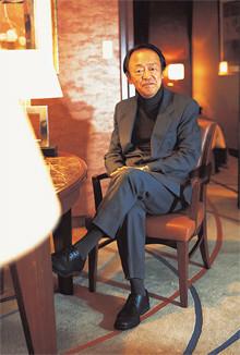 <strong>池上 彰</strong>●いけがみ・あきら 1950年生まれ。73年NHK入局。報道記者として、松江放送局などを経て、報道局社会部へ。その後、首都圏向けニュース番組のキャスターを5年間、「週刊こどもニュース」のお父さん役を11年間務めた。2005年NHK退社。現在はフリージャーナリストとして活躍中。