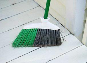 なぜ掃除機で店内掃除をすると利益が上がらないか
