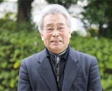 <strong>竹下 隆</strong> 70歳●1938年、秋田県生まれ。大阪大学文学部卒業後、三洋電機に入社。広報部長、営業部長を務め98年に同社を定年退職。97年からは関西学院大学社会学部の非常勤講師を兼務。98年原子力安全システム研究所客員研究員、2000年に日本福祉大学教授。現在は日本福祉大学福祉経営学部教授、四日市大学非常勤講師。