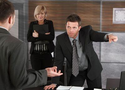 弁護士が教える、問題社員を注意するコツ