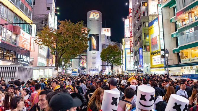 2018年のハロウィーン、仮装した人々で込み合う渋谷