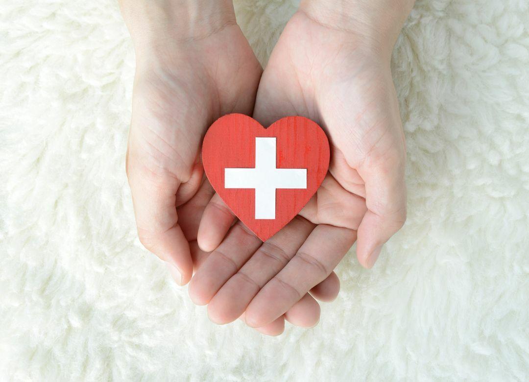 いまだ医療保険に安心料を払う残念な人 医療費は貯蓄で10万円用意する