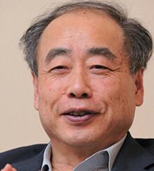 <strong>日本学術振興会理事 小林 誠</strong>●1944年生まれ。高エネルギー加速器研究機構特別栄誉教授を兼務。2008年ノーベル物理学賞受賞。