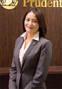 <strong>プルデンシャル生命 福岡支社 第11営業所 課長 甲斐貴子</strong>●佐賀県生まれ。2004年入社。入社以来、上位10%の営業成績をほぼキープしている。11歳と8歳の子供の母親。前職は看護師。