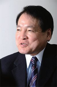 <strong>ザ・ウィンザー・ホテルズインターナショナル社長 窪山哲雄</strong>●慶應義塾大学卒。1975年、コーネル大学ホテル経営学部を卒業後、ウォルドルフ・アストリアホテルなどを経て、NHVホテルズインターナショナル社長に。97年より現職。