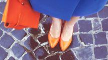 長靴やラバーシューズはきちんと通勤にはNG。雨の日の足元ストレスを即解消するパンプスとは