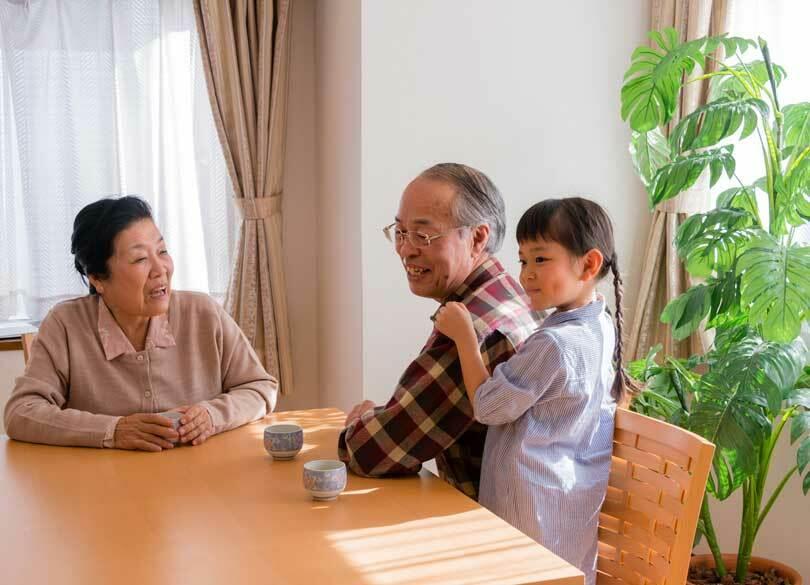 両親が施設と実家に別れて暮らす時のお金 別世帯である子が親を扶養する義務