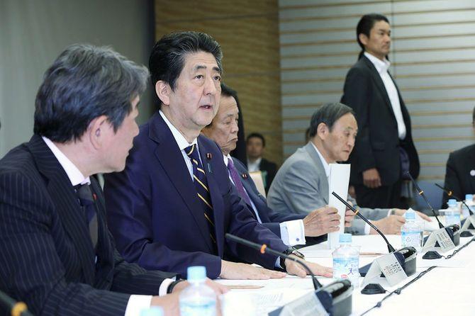 安倍首相は最低賃金1000円(全国平均)の早期達成を目標に掲げている。