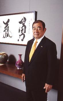 <strong>富士フイルムHD 古森重隆 社長</strong>●1939年、長崎県生まれ。東京大学経済学部卒業後、富士写真フイルム(現富士フイルムHD)入社、95年取締役、99年常務。2000年社長就任。07年、NHK経営委員会委員長に就任。