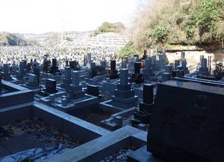 あなたのお墓が子孫の「負動産」になる日
