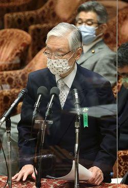 国会/答弁する前田NHK会長