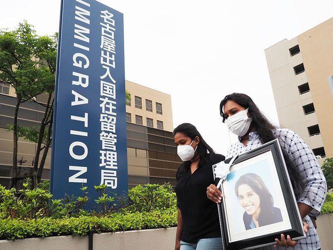5月17日、遺族は名古屋入管を訪れ、ビデオ開示と真相解明を改めて訴えた
