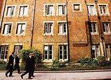 ロンドン貧困エリア「奇跡の公立高校」