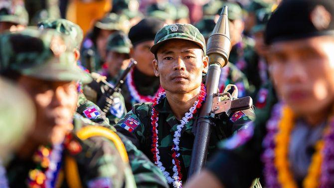 ミャンマー カレン州パアンの軍隊