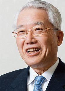 <strong>野間口 有●産業技術総合研究所理事長<br></strong>1940年生まれ。65年京都大学大学院理学研究科修士課程を修了後、三菱電機に入社。材料デバイス研究所長、中央研究所長、情報システム研究所長、インフォメーションシステム事業推進本部長などを経て、2002年に社長、06年に会長に就任する。09年4月から現職を務める。