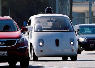 グーグルが完全自動運転にこだわるわけ