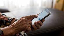 コロナで加速、なぜ高齢者は若者の7倍もデマを拡散するのか