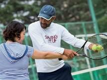 """""""本気""""がテーマの「テニススクール」で英語も同時にスキルアップ!"""