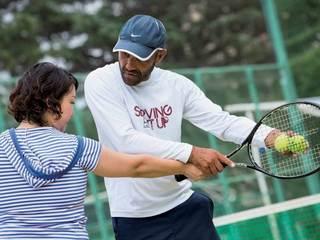 """""""本気""""がテーマの英会話テニススクール"""