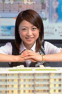 <strong>藤和不動産 首都圏事業本部東京事業部 営業部 中原 優</strong>●1983年生まれ。当初は言葉遣いや商品説明に気をとられていたが、上司から「案内係では営業にならない」と言われ、会話重視になった。