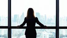 「辞めますというセリフしか出なかった」希望退職に応じた女性人事課長50歳の胸の内
