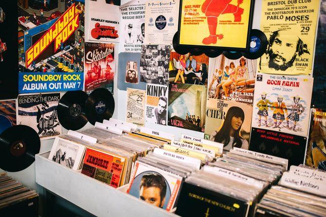 レコードショップ、音楽ポスター