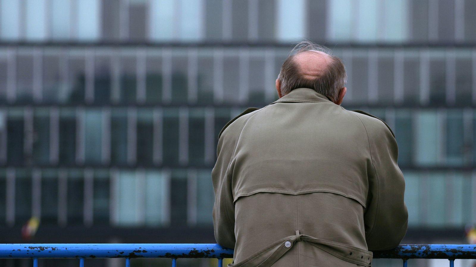定年後に「孤立した迷惑老人」となるオジサンに共通すること 目標、収入、居場所が「ない」