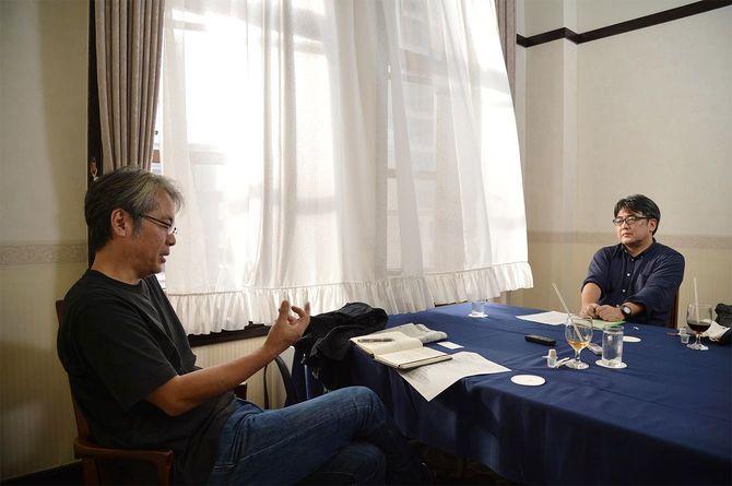 ジャーナリストの青木理さんとノンフィクションライターの安田浩一さん
