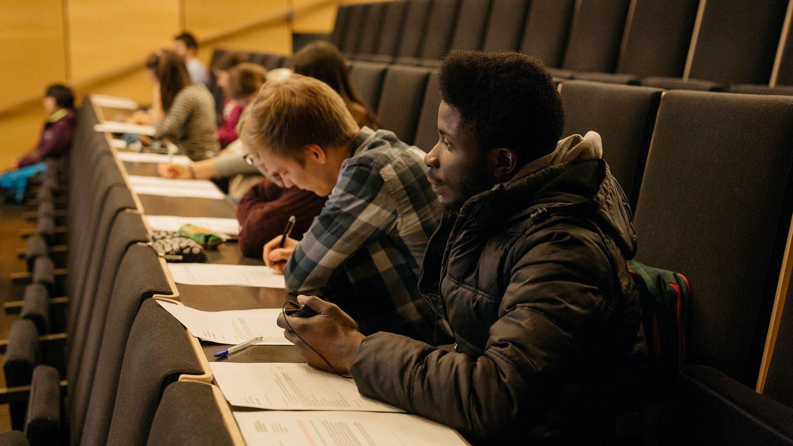 「農家→薬剤師」40歳から人生をやり直せるフィンランドのすごい仕組み 「フルタイムの学生」なら学費は無料