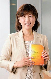 <strong>マイクロソフト 流通サービス統括本部長 業務執行役員 山中雅恵</strong>●愛知県生まれ。87年慶應義塾大学卒業、同年日本IBM入社。2009年2月マイクロソフトに転職。7月より現職。