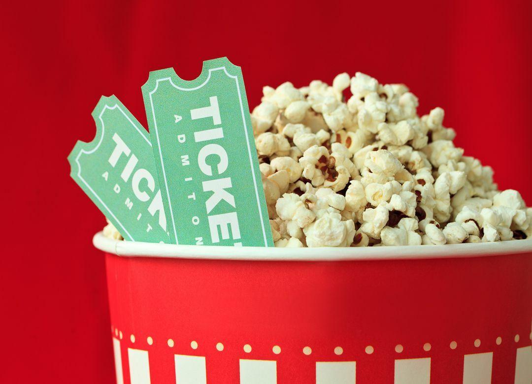 映画に1800円を払う前に知りたいお得技 ドコモとauのユーザーは要チェック