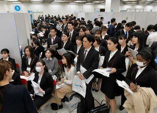 外国留学生急増の裏で進む