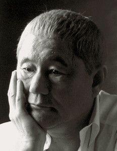 1947年、東京都出まれ。漫才、司会、作家、画家、そして映画監督とマルチな才能を発揮する。初監督作品は89年の『その男、凶暴につき』。その後98年の『HANA-BI』でベネチア国際映画祭・金獅子賞受賞。2003年の『座頭市』でベネチア国際映画祭・監督賞受賞。05年から東京芸術大学大学院映像研究科で講座を持つ。自ら脚本・編集・主演も兼ねる最新作『アキレスと亀』は9月20日よりテアトル新宿ほか全国ロードショー。