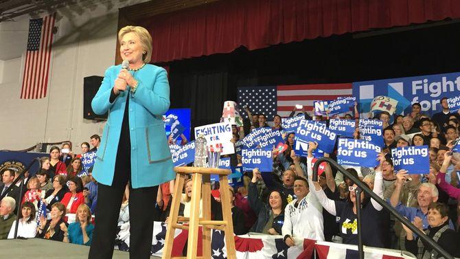 2016年の大統領選でスピーチするヒラリー・クリントン