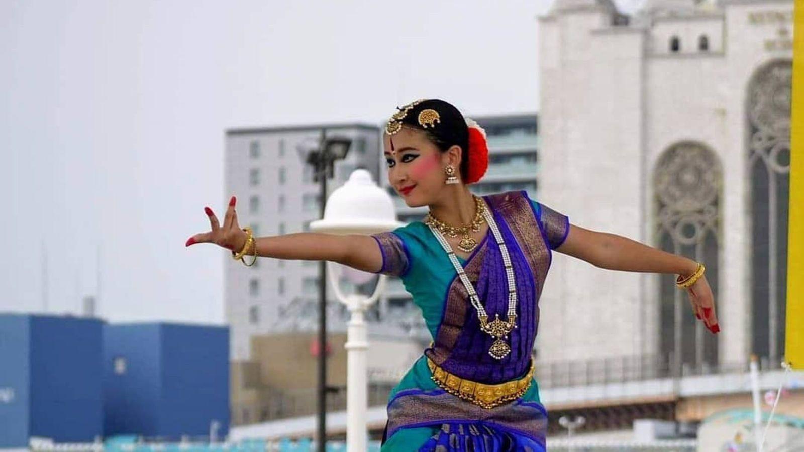 インド人もびっくり「11歳で古典舞踊のプロ」になった小6女子の奇跡 一人で1時間半の演目を踊りきる